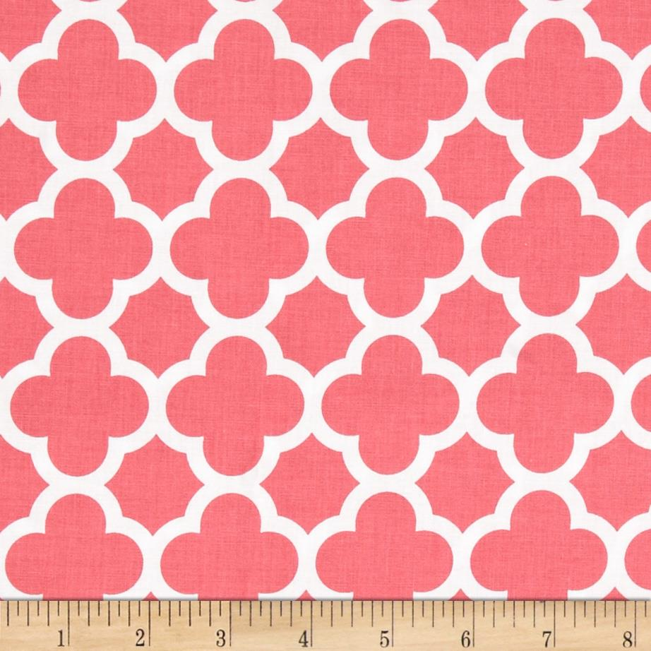 Riley Blake Medium Quatrefoil Raspberry