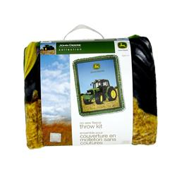 John Deere No Sew Fleece Kit Scene Green