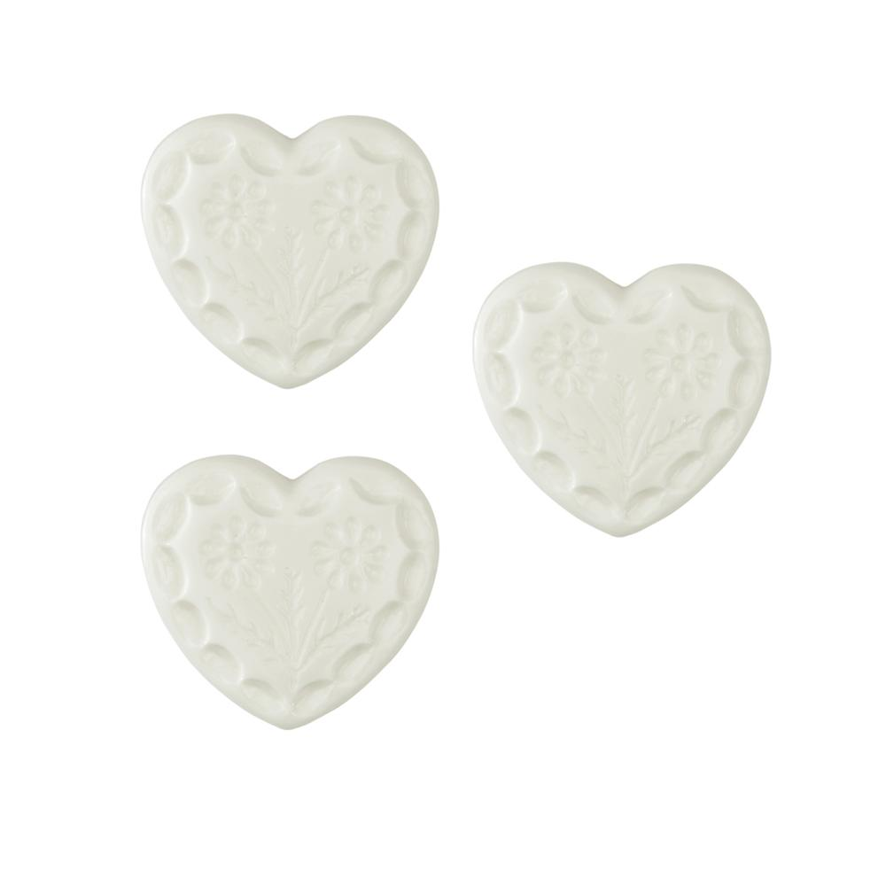 Novelty Button 1/2'' Flower Heart White