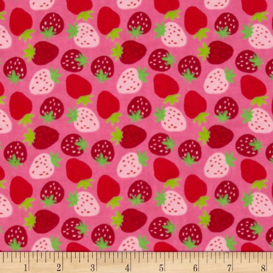 Camelot Flannel Strawberries Pink