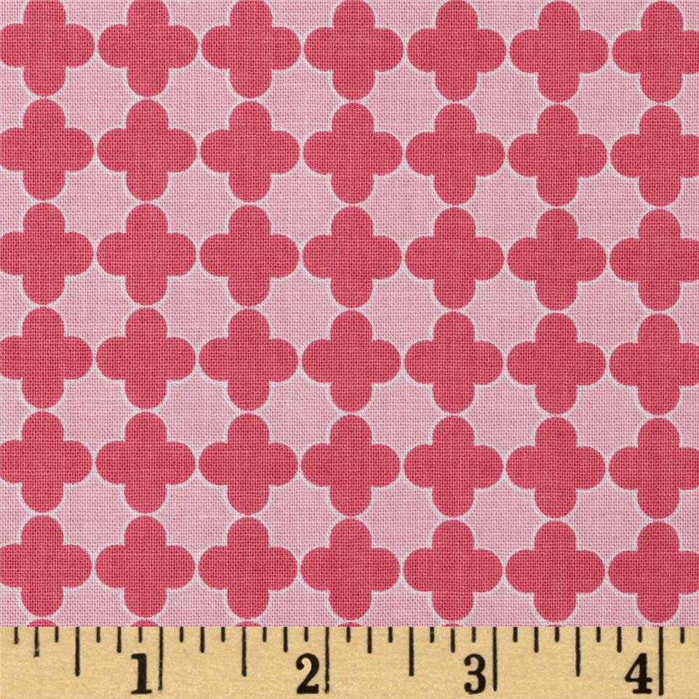 Riley Blake Mini Quatrefoil Pink/Hot Pink