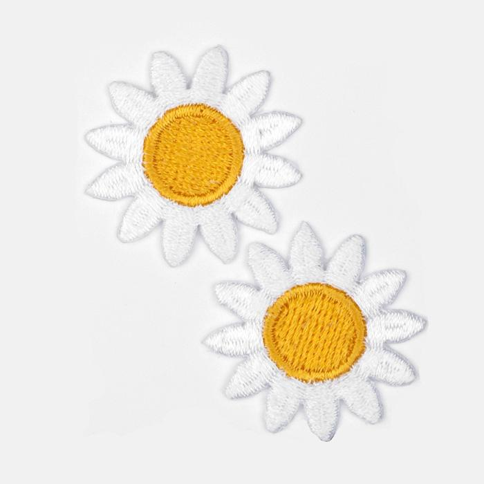 Boutique Applique Daisies White/Yellow