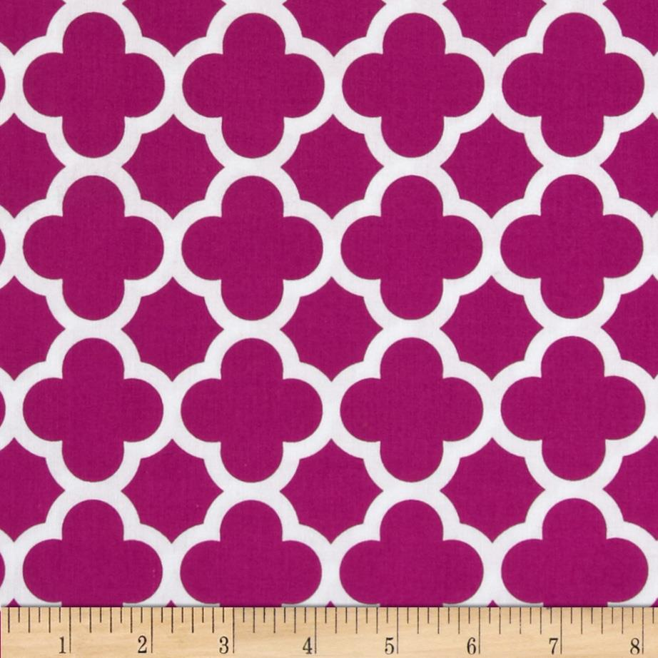Riley Blake Quatrefoil Medium Fuchsia