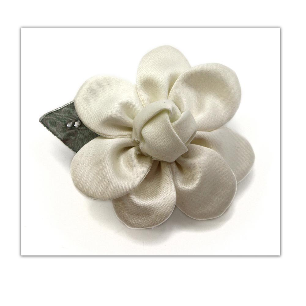 Laliberi Pin & Clip Flower Scallop Knot Daisy Cream