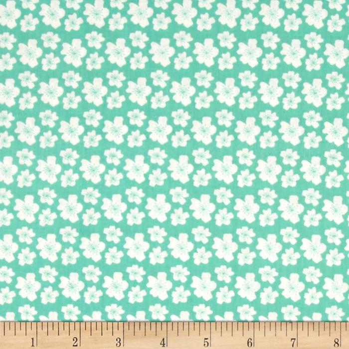 Fabric Freedom Woodland Floral White Flowers Green