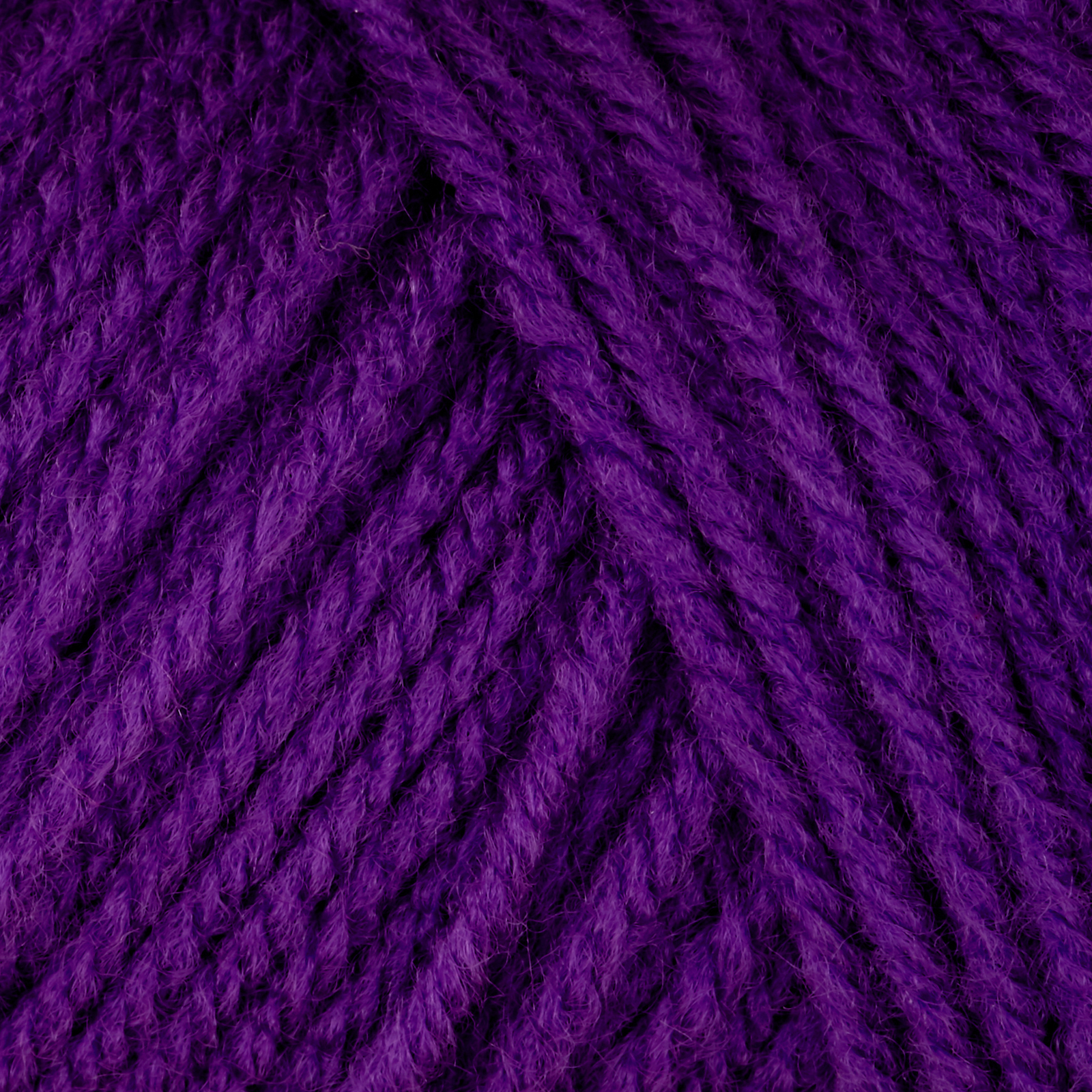 Red Heart Classic Bright Violet 0469134