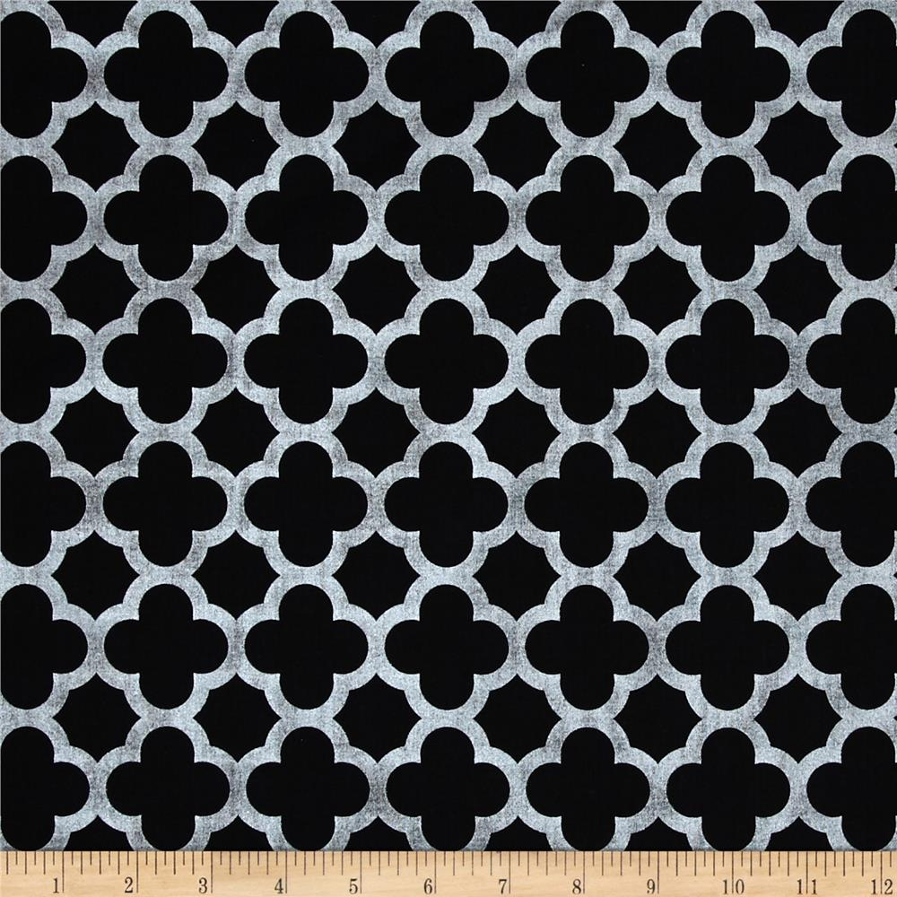 Riley Blake Sparkle Quatrefoil Black